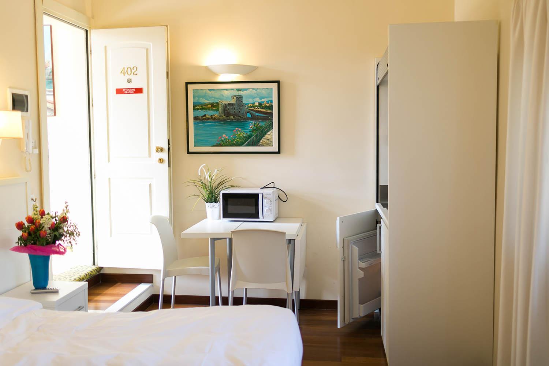 REX Hotel Residence Genova Bilocale con angolo cottura
