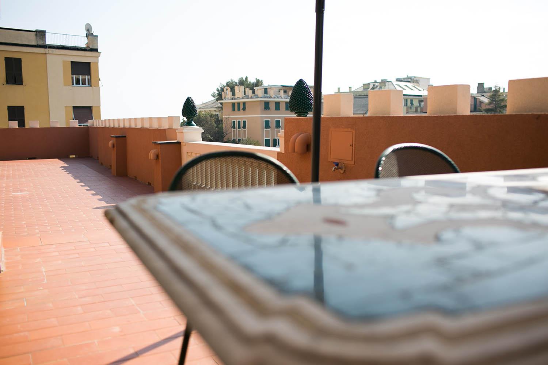 dettaglio del tavolo nel Solarium del Rex Hotel Residence Genova
